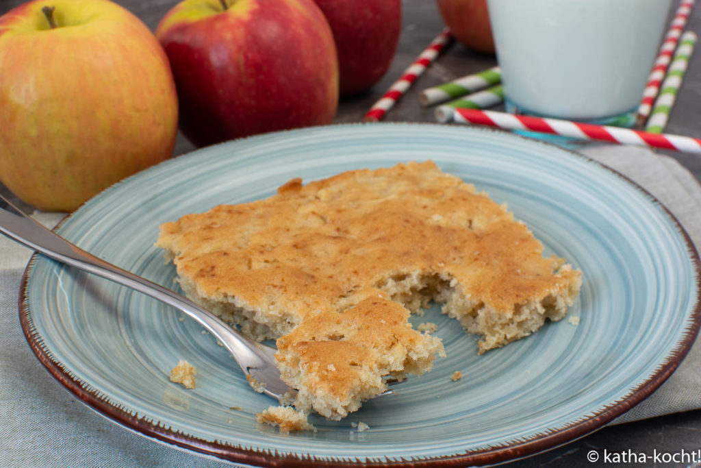 Apfelkuchen vom Blech ohne Ei