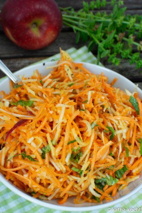 Karotten-Kohlrabisalat mit Apfel - Rohkostsalat