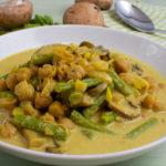 Schnelles Bohnen-Kichererbsencurry mit Joghurt
