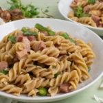 Cremige Pasta mit Bohnen und Kochschinken