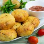 Gebackene Kartoffelbouletten mit Räucherfisch