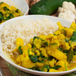 Blumenkohlcurry mit Spinat und Joghurt