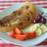 Eier- / Pfannkuchen mit Schokolade und Obst