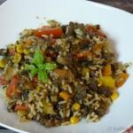 Bunte Gemüse-Hackfleischpfanne mit Reis