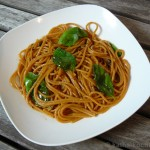Spaghetti al Peperoncino mit Knoblauch und Sardellen