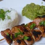 Tandoori-Chicken Spieße mit Reis und Guacamole