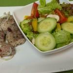 Im Ofen gegarter Wels mit Salat