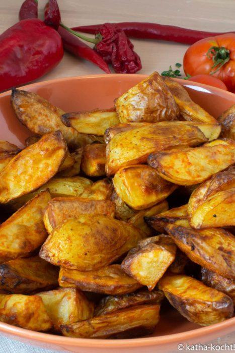 Tapas - pikante Paprika-Kartoffelspalten