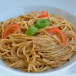 Spaghetti mit Oliven-Pesto