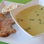 Rosenkohl-Austernpilz Suppe mit knusper Iberico