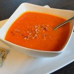 Tomaten-Sherry Suppe mit Speck