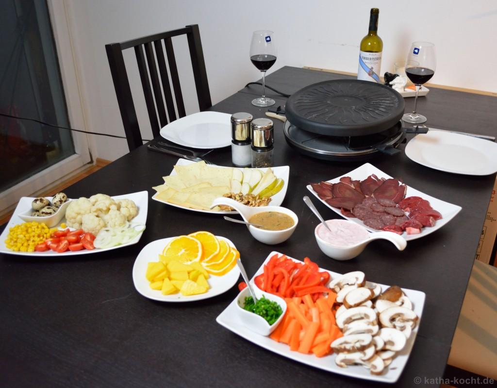 wildes raclette raclette mit wild katha kocht. Black Bedroom Furniture Sets. Home Design Ideas