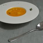 Süßkartoffel-Mango Suppe mit Seeteufel