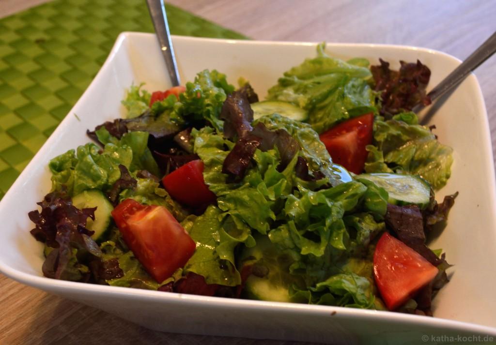 Salat_Mit_Wels_Apfel_Spießen_4