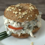 Bagel mit Hähnchensalat