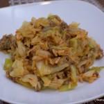 Reis-Spitzkohlpfanne mit Hackfleisch