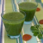 Grüner Smoothie mit Birne und Aprikose