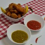 Chicken Nuggets mit zwei scharfen Dipps