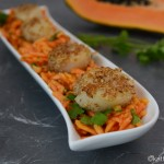 Jakobsmuscheln auf Papaya-Koriander Salat