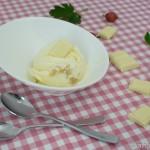 Stachelbeer Eis mit weißer Schokolade