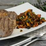 Gerösteter Kürbis mit Pinienkernen zum Steak