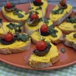 Tapas – Schnittchen mit Kürbiscreme und Pilzen