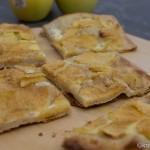 Flammkuchen mit Apfel und Zimt