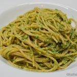Spaghetti mit Rucola-Sonnenblumenkern Pesto