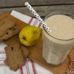 Buttermilch Drink mit Birne und Spekulatius