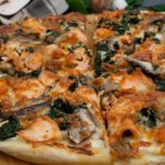 Lachs-Spinat Pizza mit Skyr