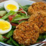 Leichter Salat mit Ofen-Falafeln