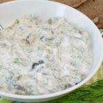 Matjessalat mit Joghurt - die leichte Variante