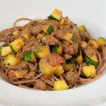Spaghetti mit Hackfleisch-Zucchinisauce