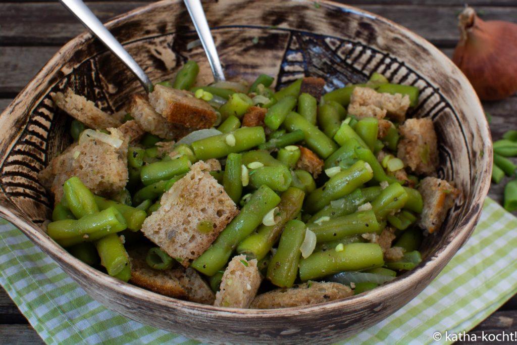 Brotsalat mit grünen Bohnen
