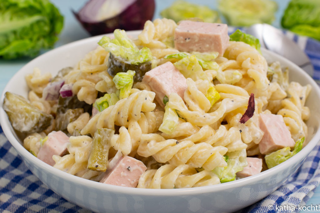Nudelsalat mit Fleischwurst - die leichte Variante