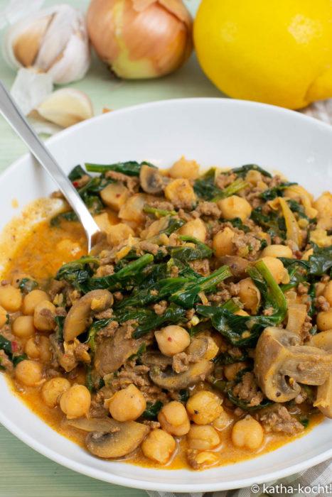 Kichererbsencurry mit Hackfleisch und Spinat