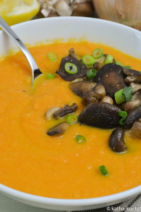 Leichte Karottensuppe mit Shitake