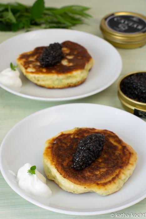 Kräuter-Pancakes mit Attilus Kaviar