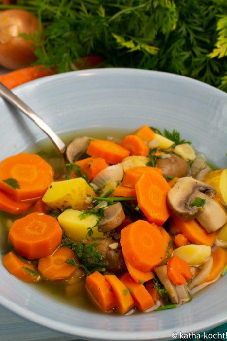Leichter Karotteneintopf