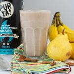 Veganer Choco-Protein-Smoothie mit Birne und Banane