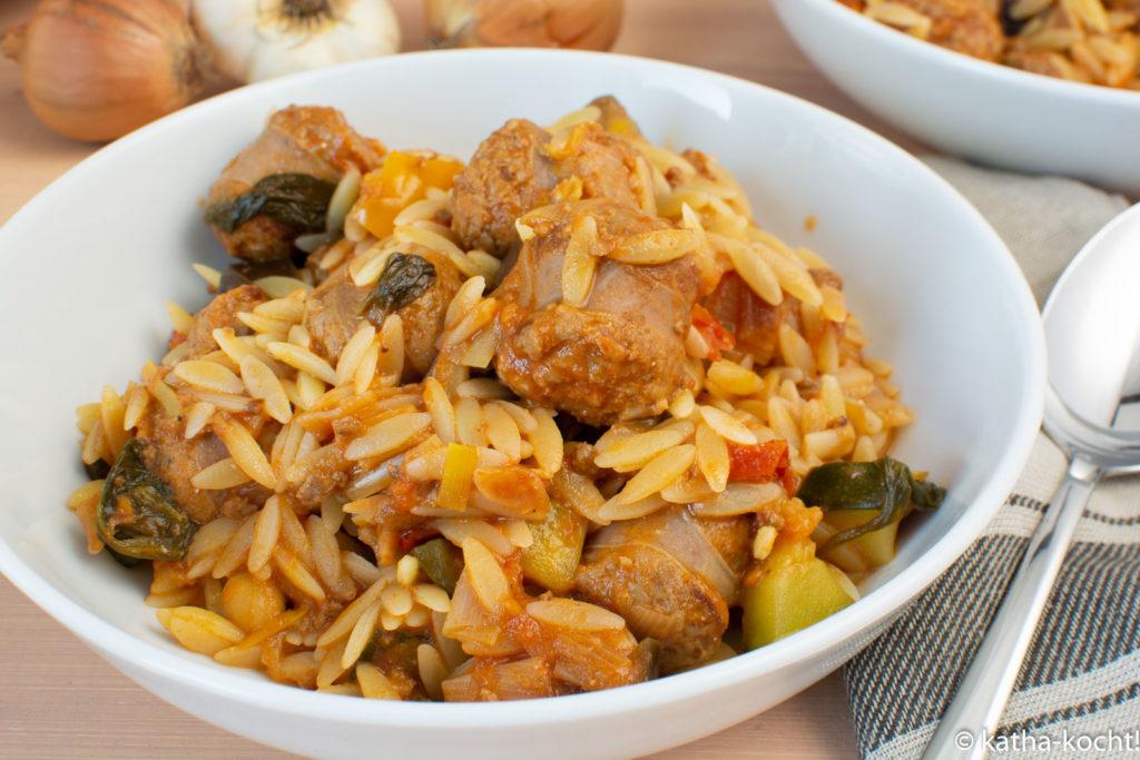 Kritharaki mit Salsiccia und Zucchini