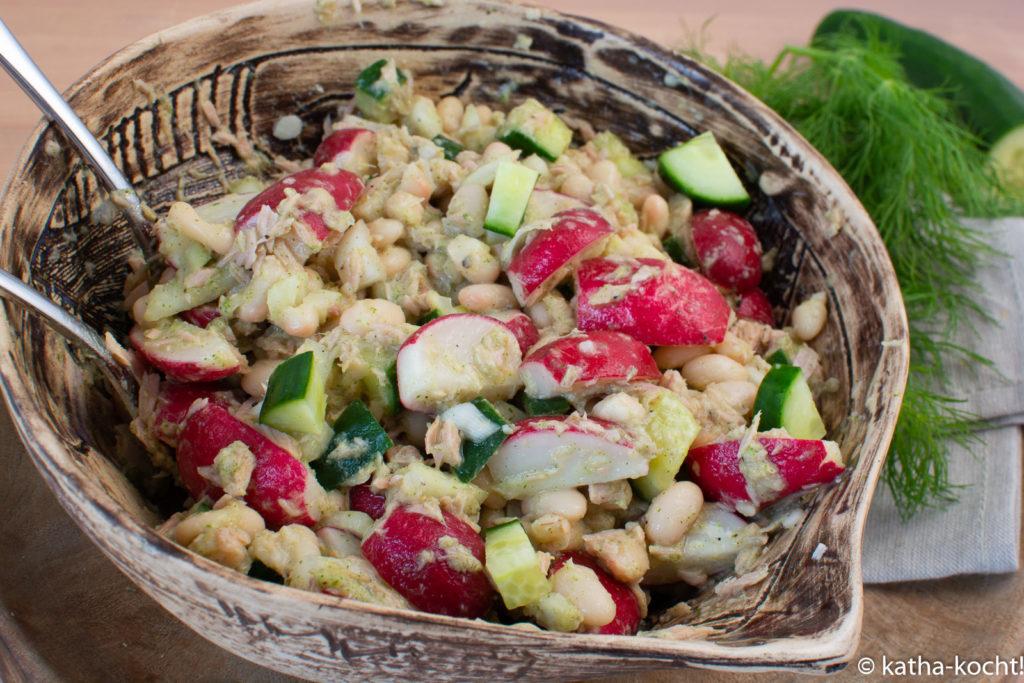 Radieschen-Thunfischsalat mit weißen Bohnen