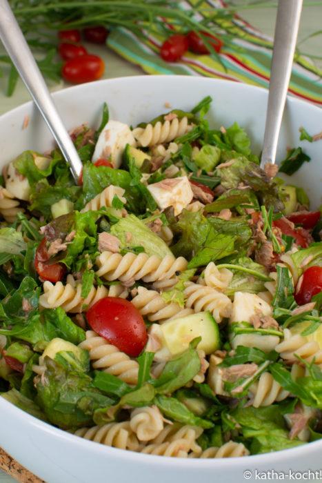 Leichter Thunfischsalat mit Nudeln - Thunfisch-Nudelsalat