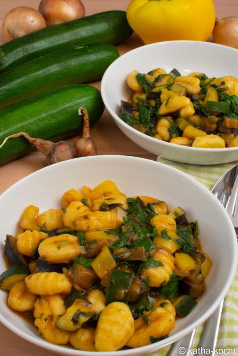 Gnocchi mit Zucchini und Spinat
